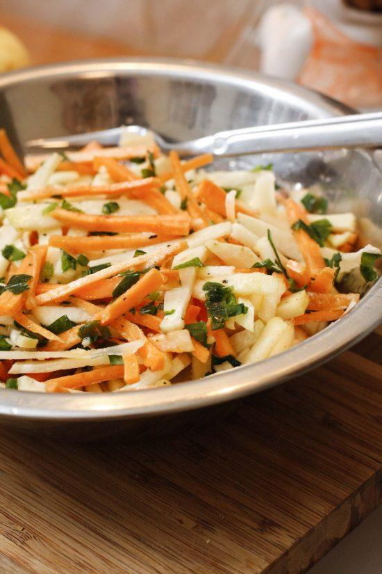 kolrabju-burkanu-salati