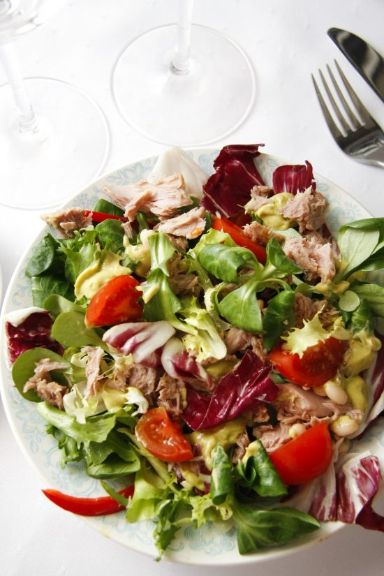 tunca-salati-ar-avokado-merci