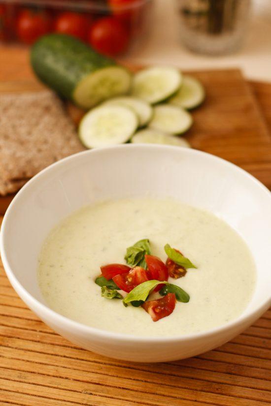 gurku-avokado-auksta-zupa