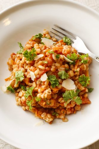 grubu-sautejums-ar-tomatiem