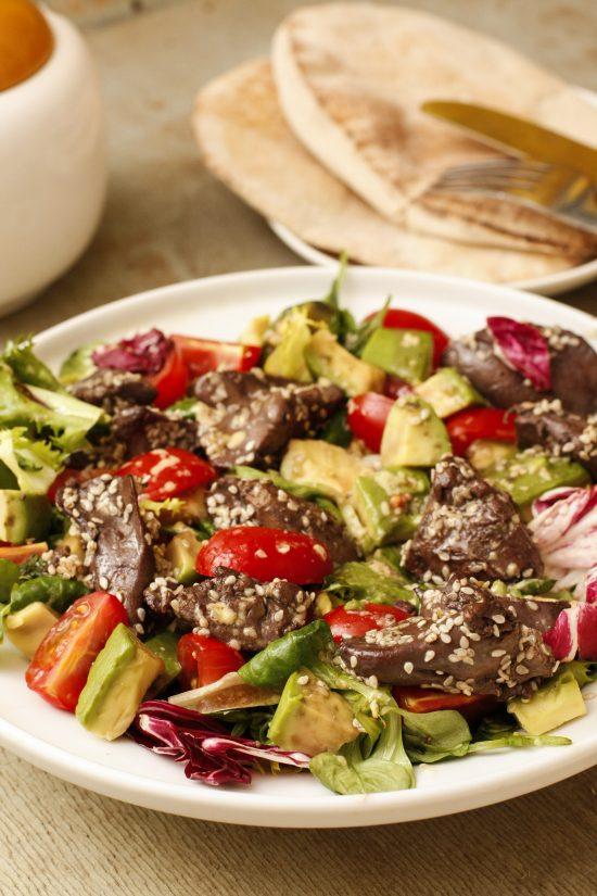 vistu-aknu-salati