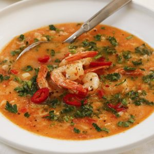 tomatu-zupa-ar-garnelem